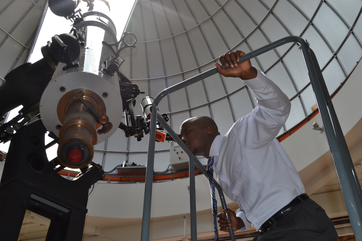 Boeing_Workshop_Teacher_Telescope